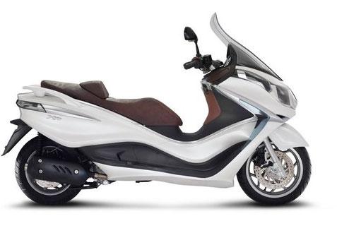 2012 Piaggio X10 350 Review